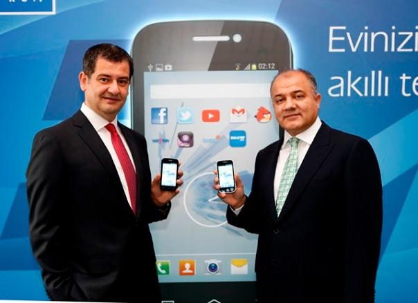 TT_Bireysel_Musteri_Bask_Ali_YILMAZ ve TT CEO Tahsin YILMAZ -1